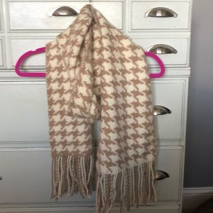 Accessories - Chunky Scarf